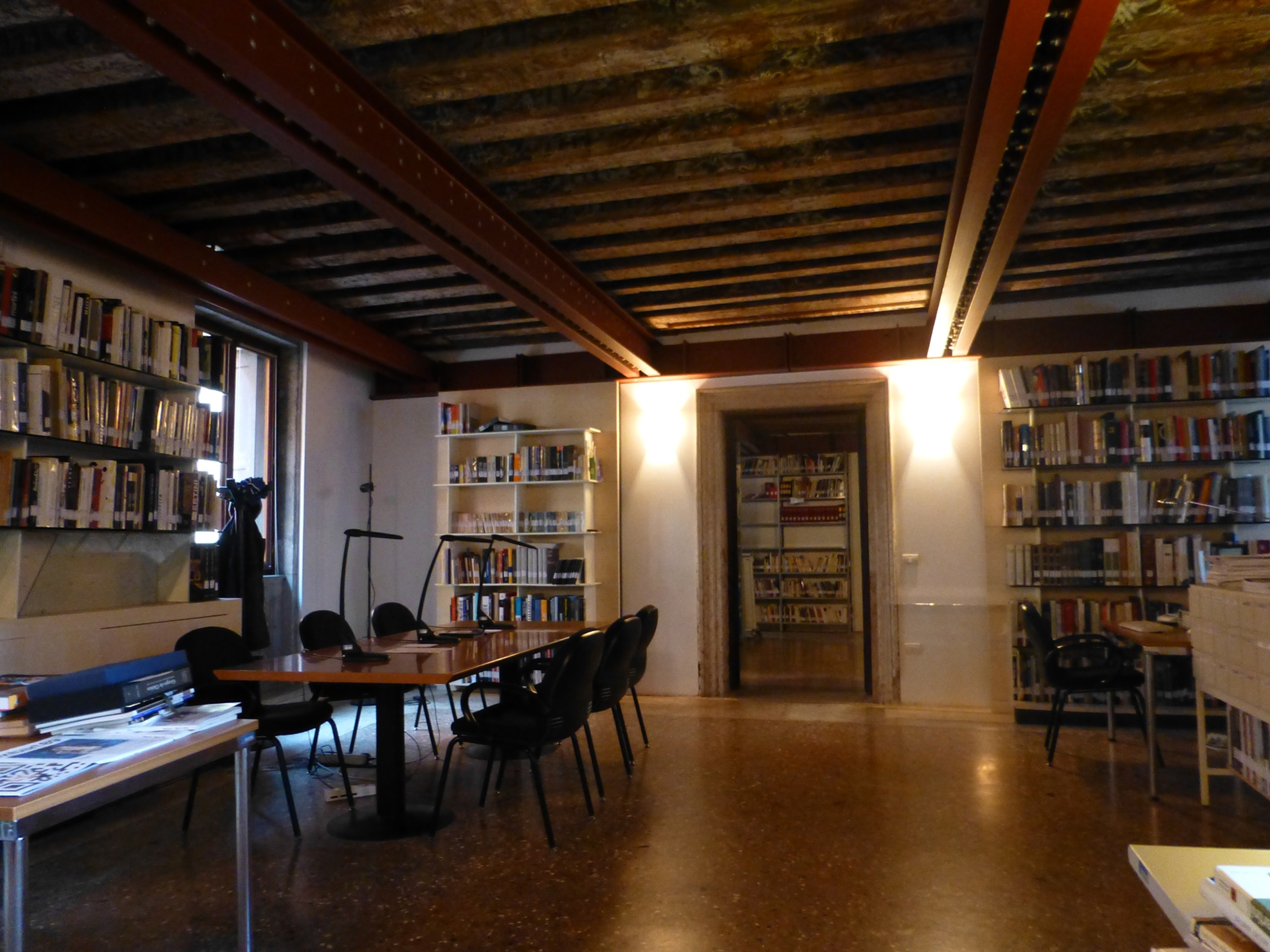 Biblioteca della Galleria Internazionale Arte moderna Ca' Pesaro